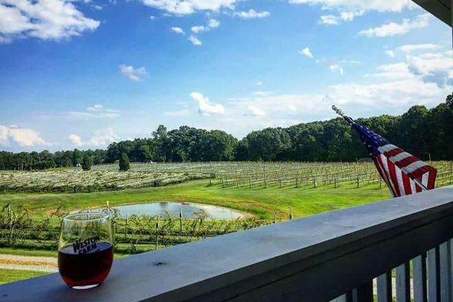 Weston Farm Vineyard & Winery, Louisa, United States