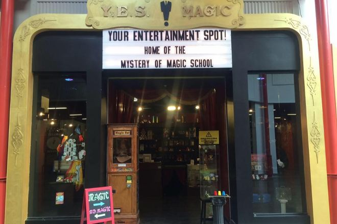 YES Magic Shop & Mystery Of Magic School, Sanford, United States