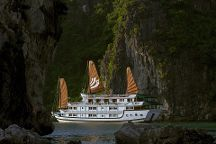 Halong Tours, Halong Bay, Vietnam