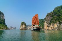 Indochina Junk, Halong Bay, Vietnam