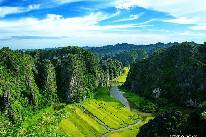 Acacia Voyage, Hanoi, Vietnam