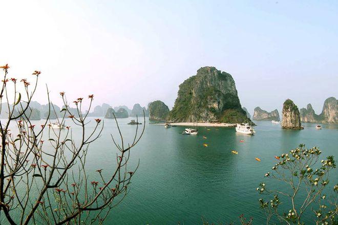 Halong Bay Trip, Hanoi, Vietnam