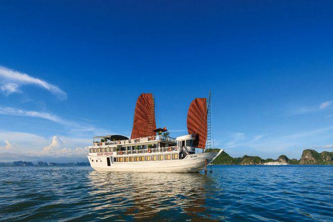 Halong Galaxy Cruise, Hanoi, Vietnam