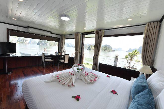 Halong Private Cruise, Hanoi, Vietnam