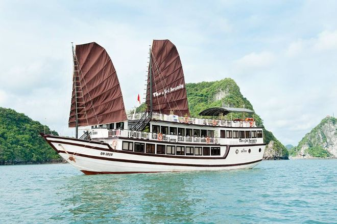 The Viet Beauty Cruise, Hanoi, Vietnam