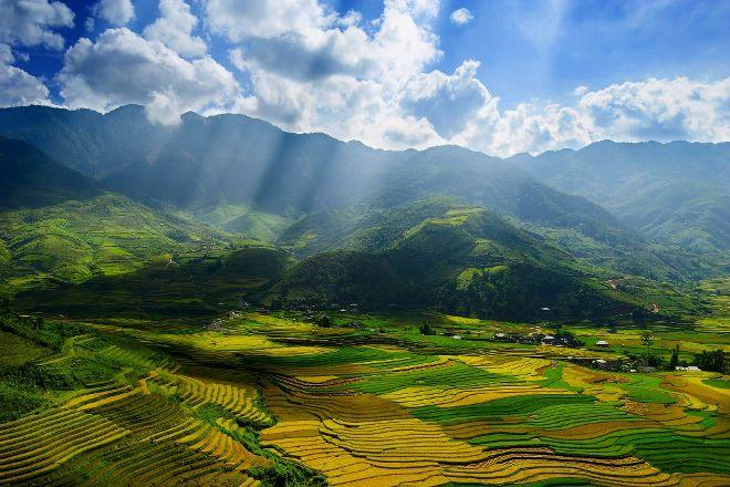 Travel to Vietnam - Vevely tour, Hanoi, Vietnam
